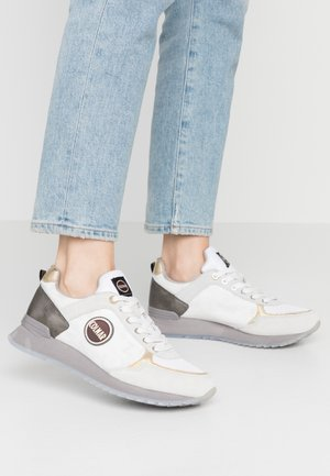 TRAVIS JANE - Sneaker low - warm gray/white