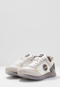 Colmar Originals - TRAVIS JANE - Trainers - warm gray/white - 4