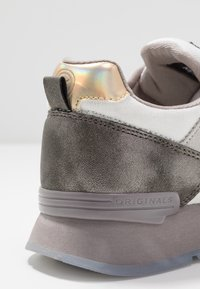 Colmar Originals - TRAVIS JANE - Trainers - warm gray/white - 2