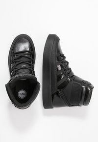 Colmar Originals - EVIE GLOSS - Chaussures de skate - black