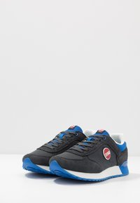 Colmar Originals - TRAVIS COLORS - Trainers - anthracite/blue - 2