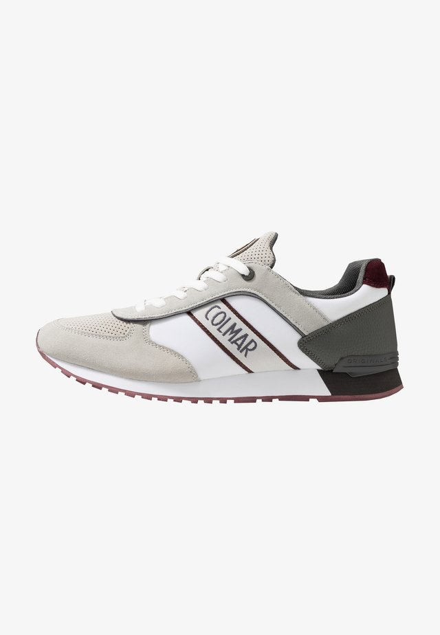 TRAVIS RUNNER - Trainers - white