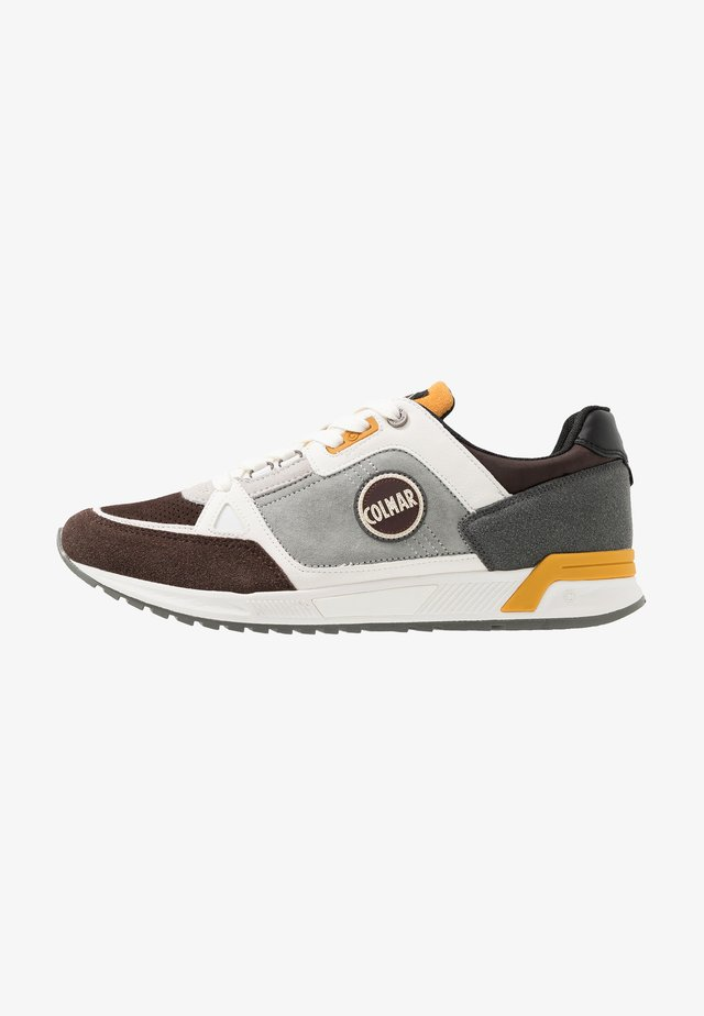 SUPREME PRO ROSS - Trainers - dark brown/yellow/offwhite