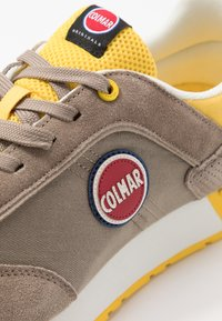 Colmar Originals - TRAVIS - Trainers - warm grey/yellow - 5