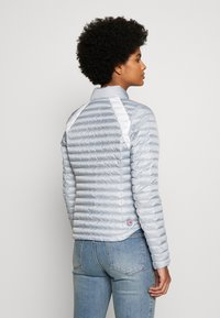 Colmar Originals - LADIES JACKET - Bunda z prachového peří - light steel/white - 2