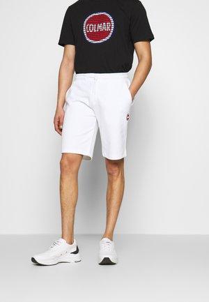 BERMUDA PANTS - Pantalones deportivos - white