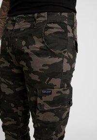Criminal Damage - Cargo trousers - green - 4