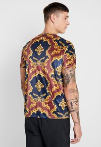 Criminal Damage - SAVERO - T-shirt con stampa - multi coloured - 2