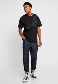 Criminal Damage - UTILITY POCKET TEE - T-Shirt basic - black - 1