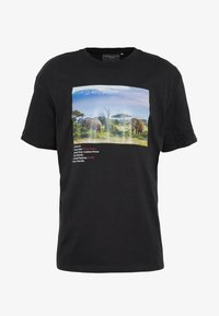 Criminal Damage - WORLD LAND TRUST ELEPHANT TEE - T-shirt z nadrukiem - black - 4