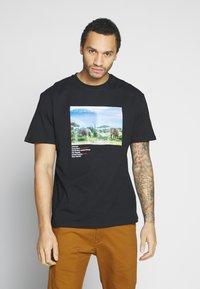 Criminal Damage - WORLD LAND TRUST ELEPHANT TEE - T-shirt z nadrukiem - black - 2