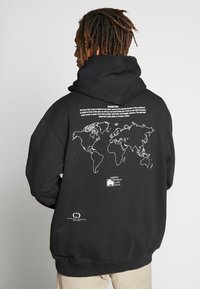 Criminal Damage - WORLD LAND TRUST TURTLE HOOD - Hoodie - black - 2