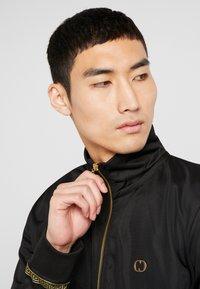 Criminal Damage - VERINO TRACK TOP - Sweatshirt - black/gold coloured - 4