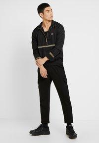 Criminal Damage - VERINO TRACK TOP - Sweatshirt - black/gold coloured - 1
