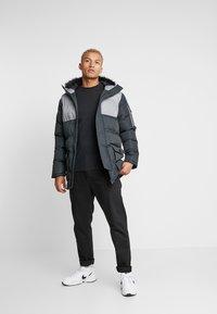 Criminal Damage - ARTIC PARKER JACKET - Zimní kabát - black reflective - 1