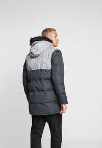 Criminal Damage - ARTIC PARKER JACKET - Zimní kabát - black reflective - 2