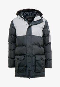 Criminal Damage - ARTIC PARKER JACKET - Zimní kabát - black reflective - 6