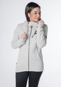 CNSRD - YASMIN  - Zip-up hoodie - cloudy - 0