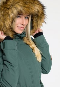 CNSRD - FLORA - Veste d'hiver - green - 4