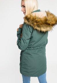 CNSRD - FLORA - Veste d'hiver - green - 2
