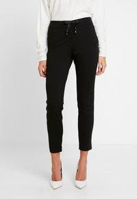 comma - Pantaloni - black - 0