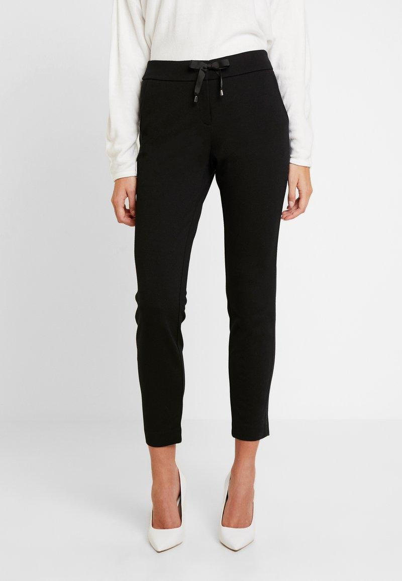 comma - Pantaloni - black