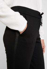 comma - Pantaloni - black - 5