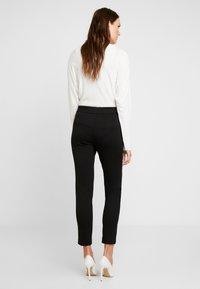 comma - Pantaloni - black - 2