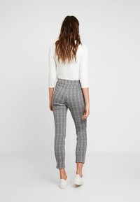 comma - Trousers - dark grey - 3