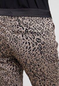 comma - Pantaloni - taupe - 5