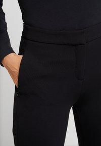 comma - HOSE - Pantaloni - black - 6