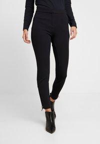 comma - HOSE - Pantaloni - black - 0