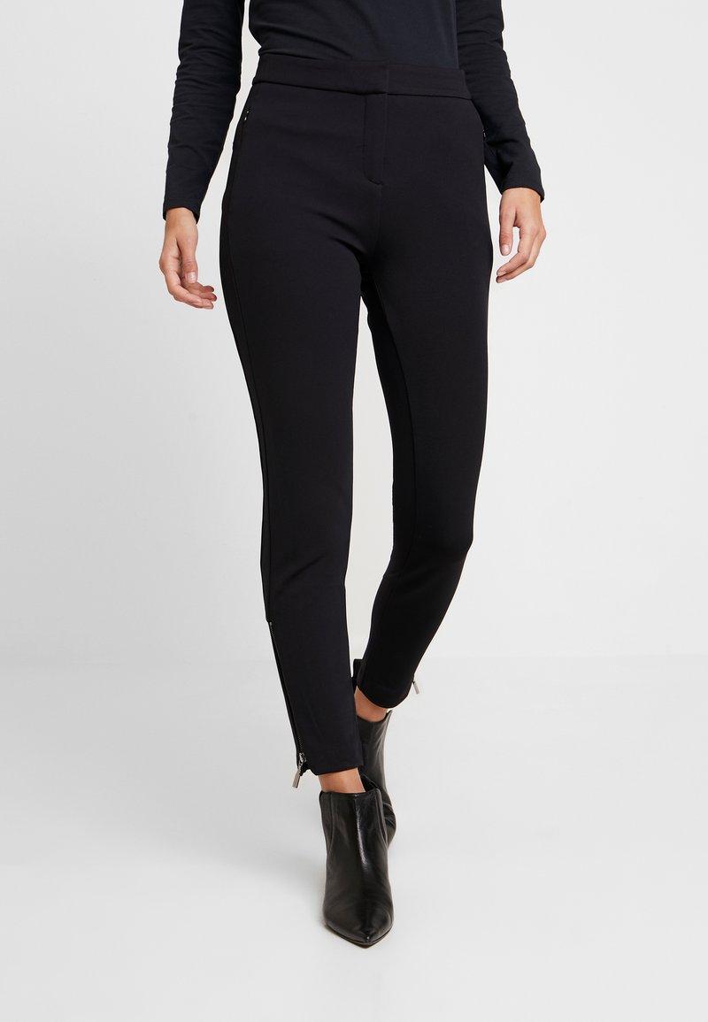 comma - HOSE - Pantaloni - black