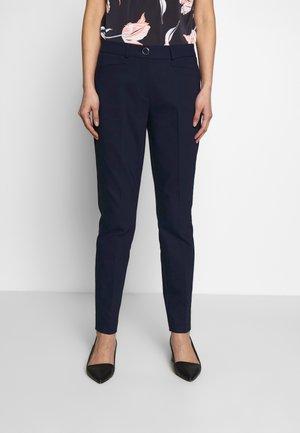 Pantalon classique - tinte