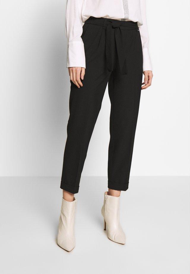 TROUSERS - Pantalones - black