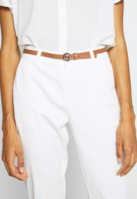comma - Chinos - offwhite - 5