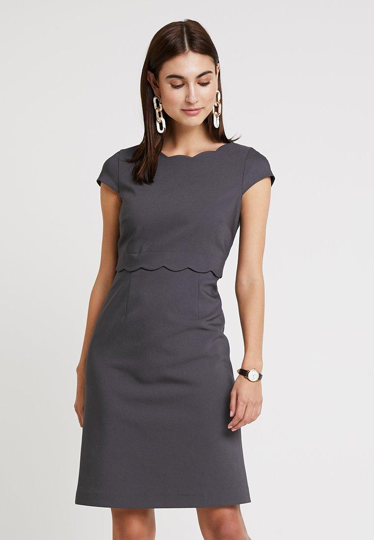 comma - KURZ - Day dress - schiefer