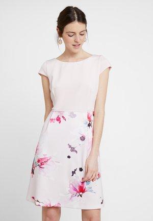 Robe de soirée - rose