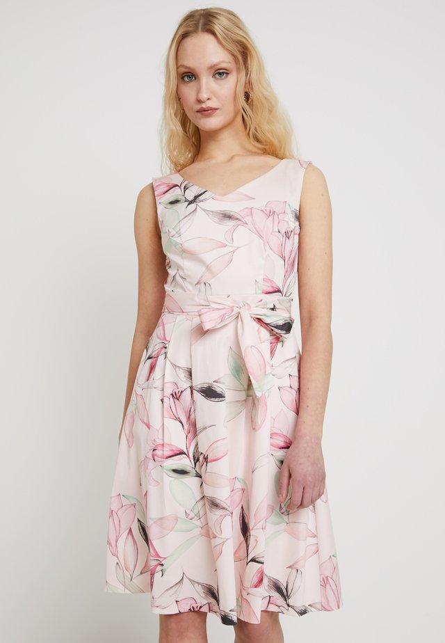 Cocktailkjoler / festkjoler - rose