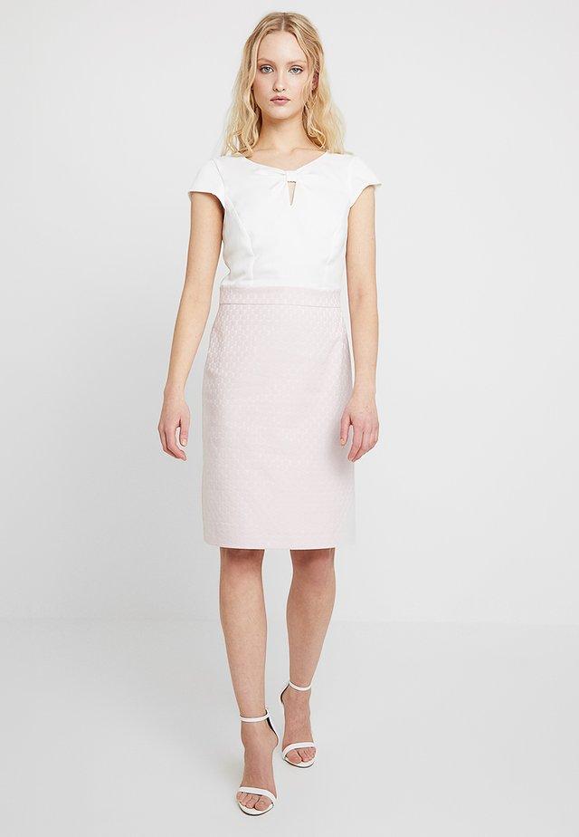 Korte jurk - light rose