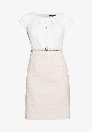 Fodralklänning - light pink