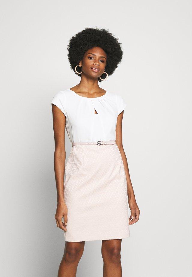 Robe fourreau - light pink