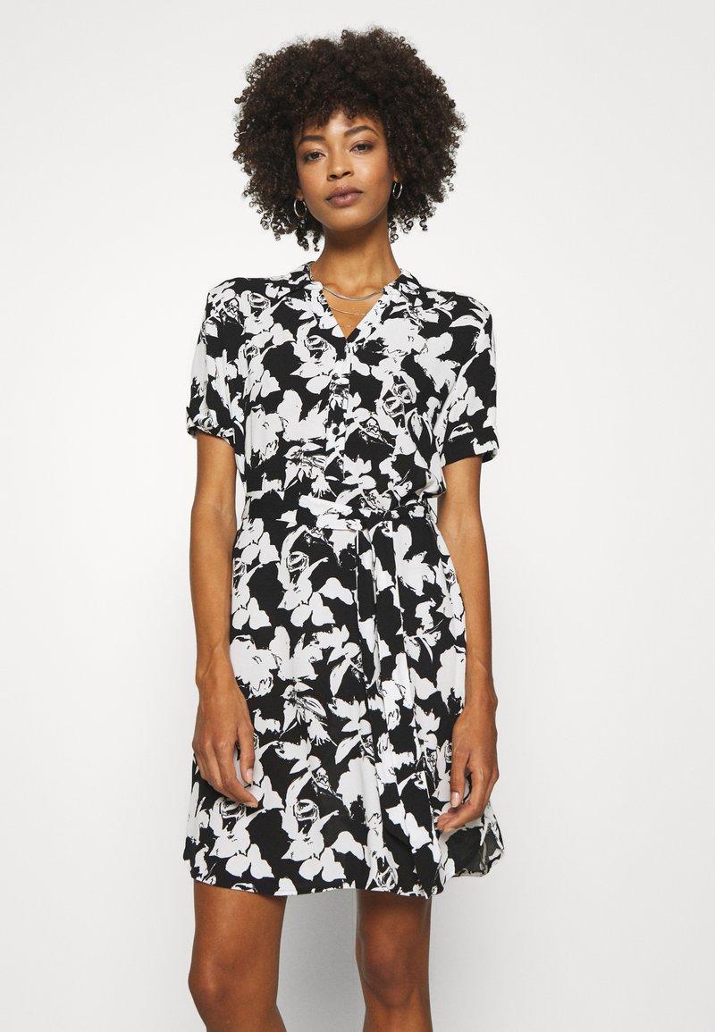comma - Košilové šaty - black