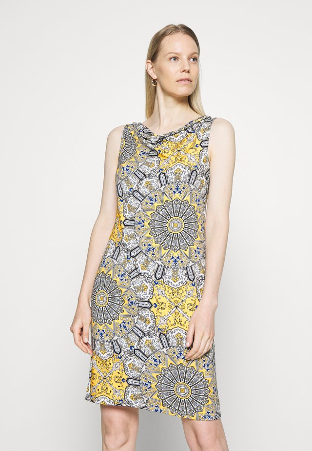 Vestido de tubo - orname