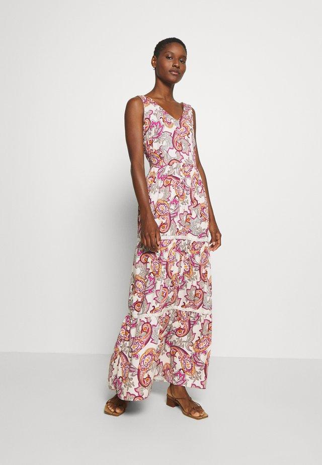 Długa sukienka - light pink