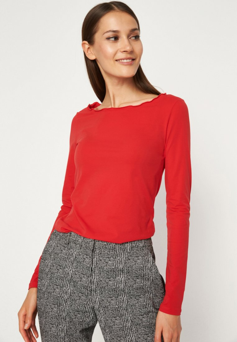 comma - MIT FEINEN DETAILS - Langarmshirt - luminous red