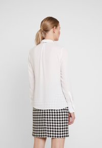 comma - LANGARM - Blouse - white - 2