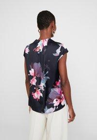 comma - Blouse - floral - 2