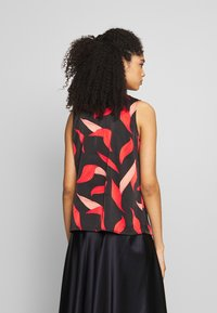 comma - Bluse - black/red - 2