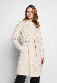 comma - COAT - Płaszcz wełniany /Płaszcz klasyczny - sand - 0